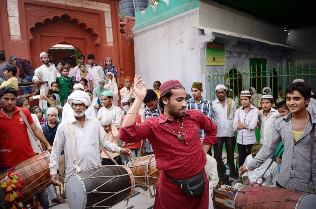 Celebration at the shrine of the Sufi saint Qutbuddin Bakhtiar Kaki in Delhi